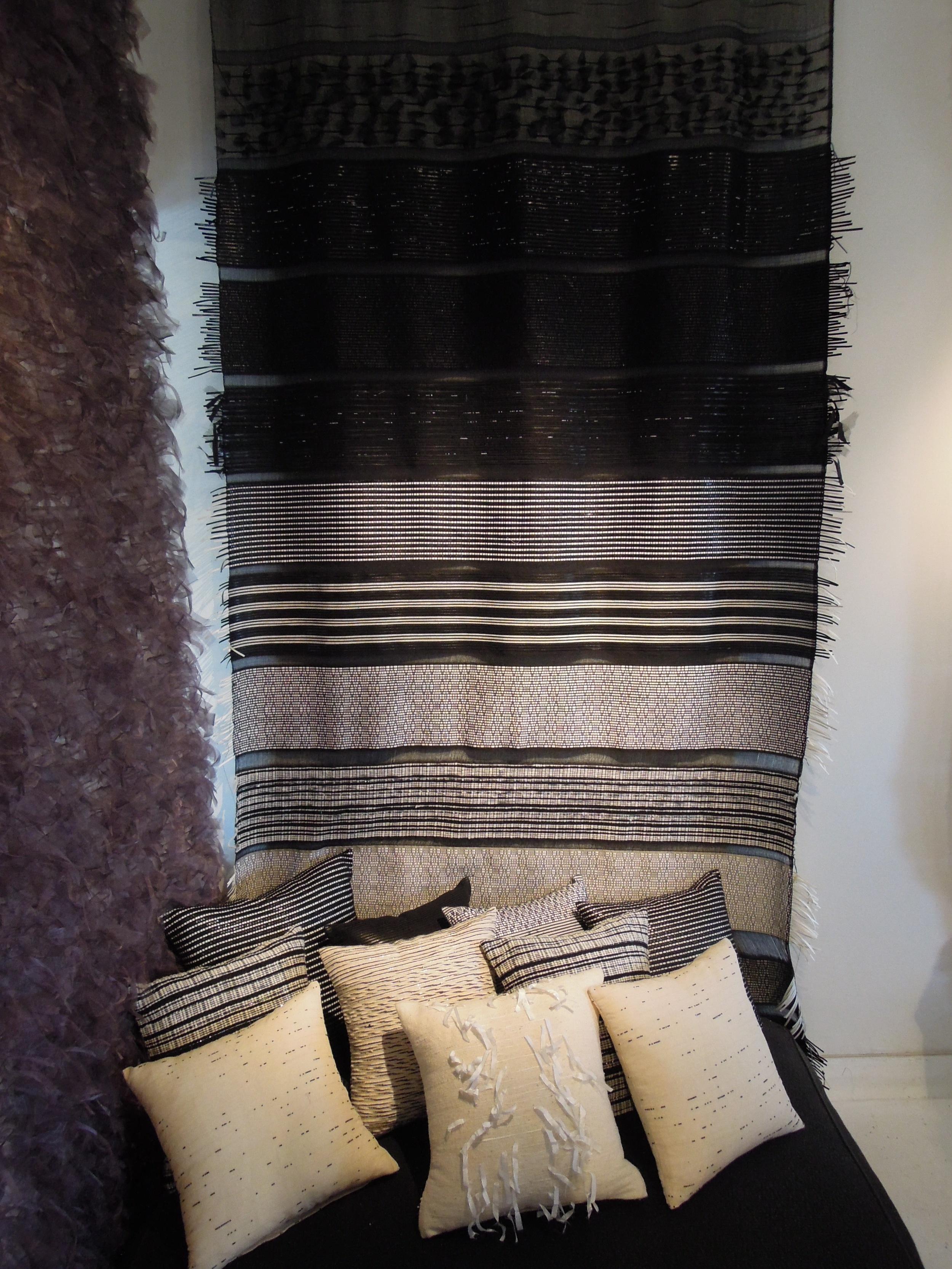Tenture Black _ white Sample Blanket.JPG
