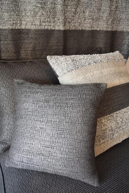 Cushion Mexican Mat grey lurex.jpg