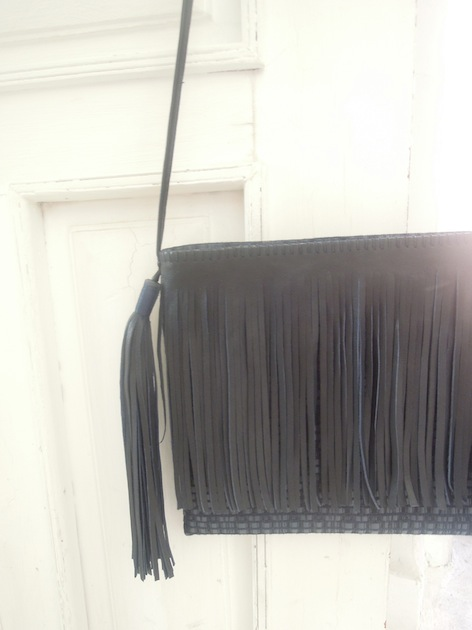 K1 - Two Pompons Bag w/ Fringe
