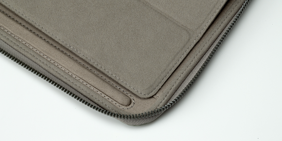 iPad side view 7.jpg