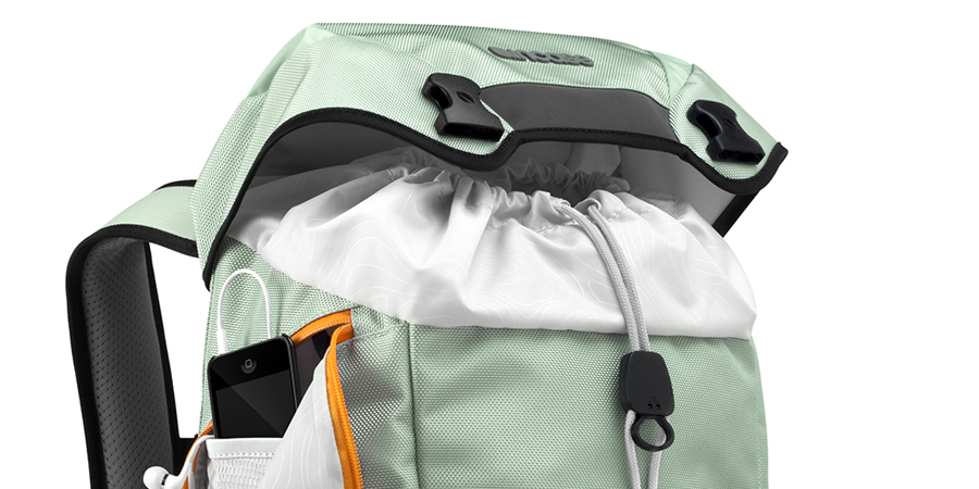 courier-backpack_mint2.jpg