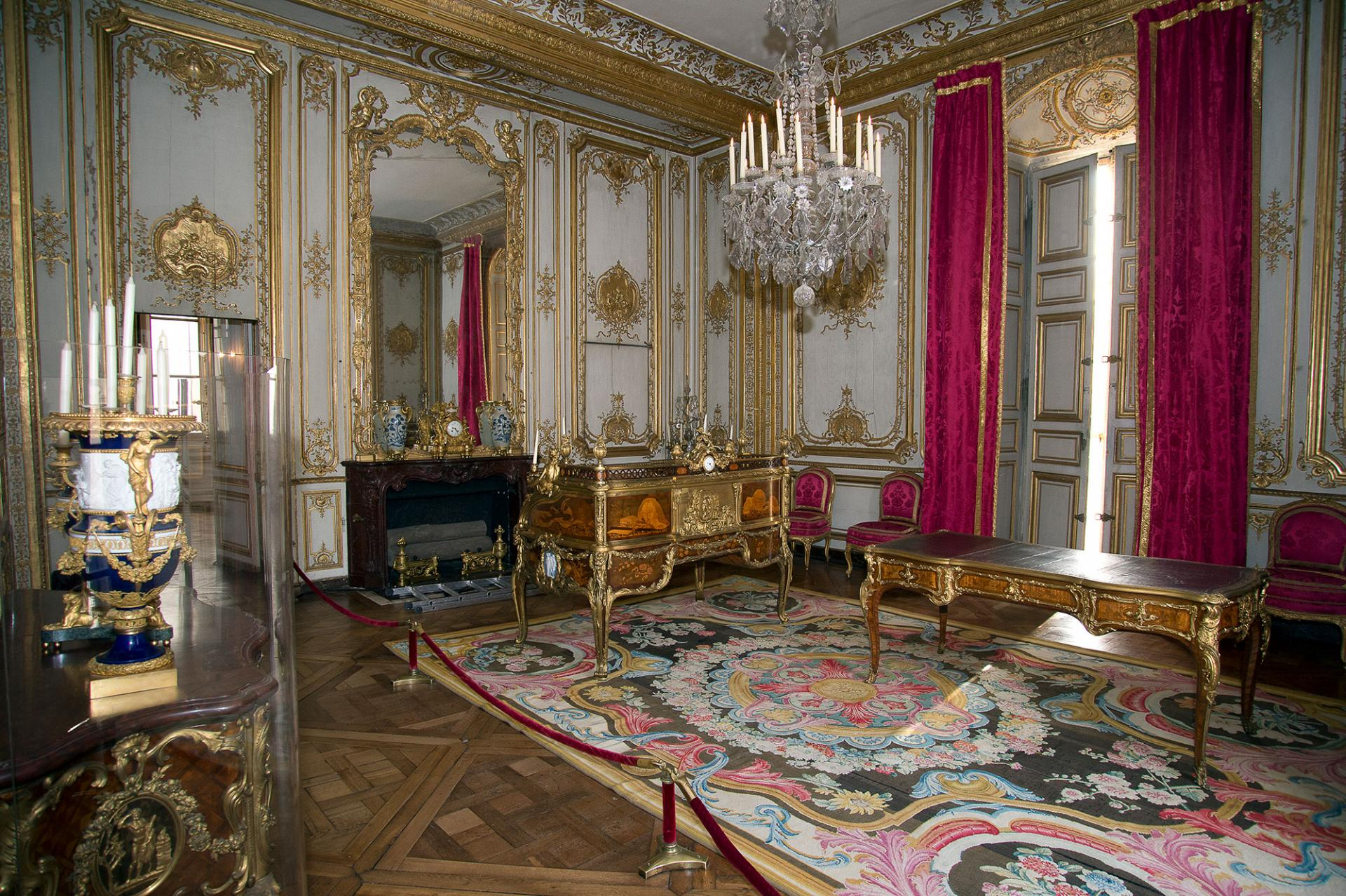 The Corner salon, which was provided for the use of Nicholas II.