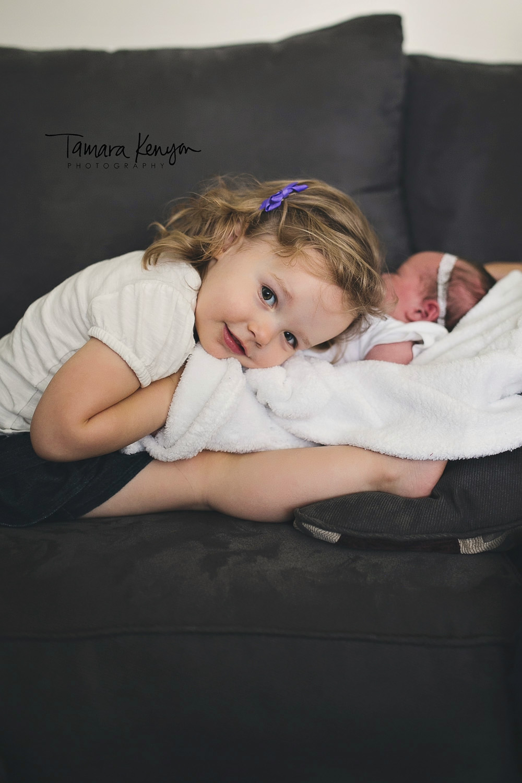 lifestyle newborn session photographer boise