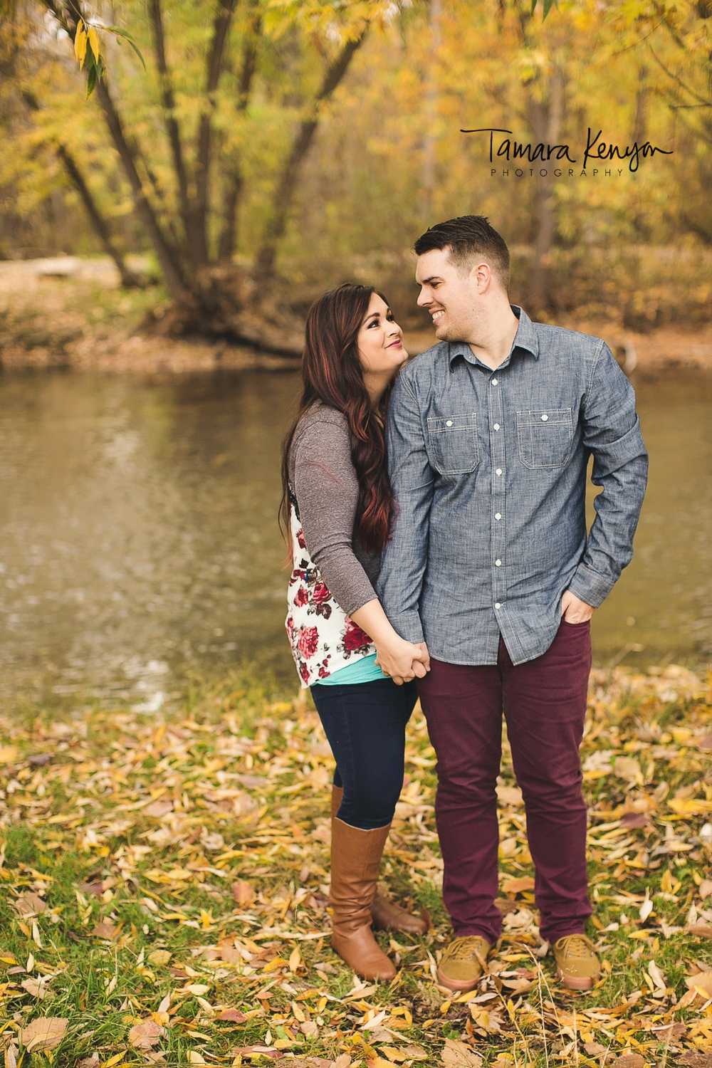 engagement photos by the boise river