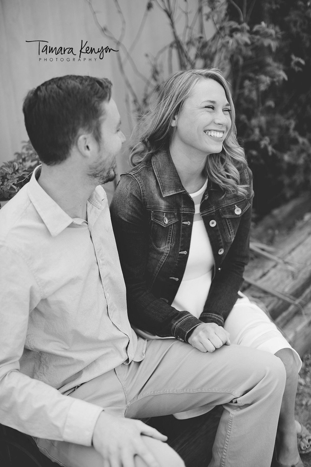 hyde park engagement session in boise
