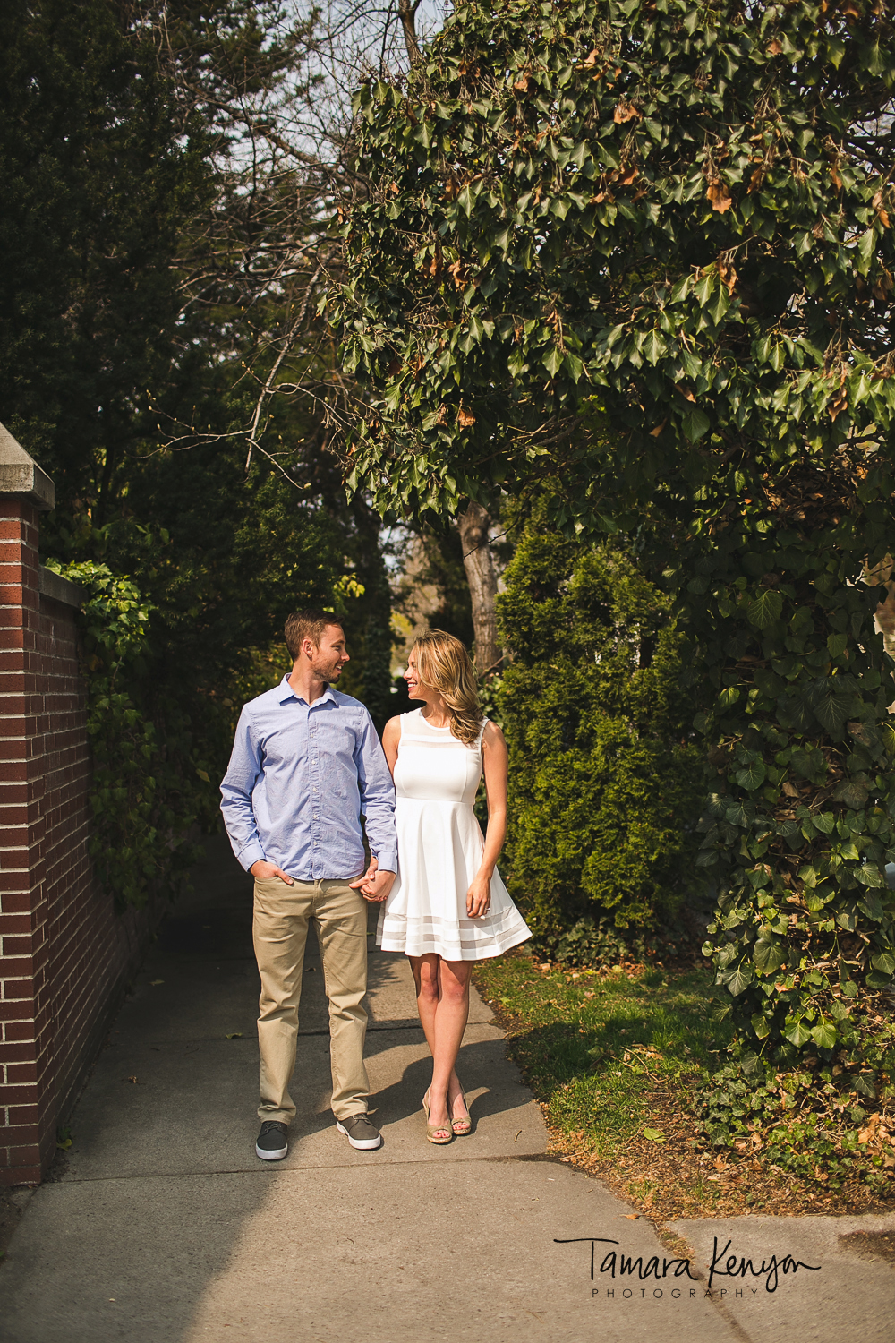 engagement photos in the north end boise idaho