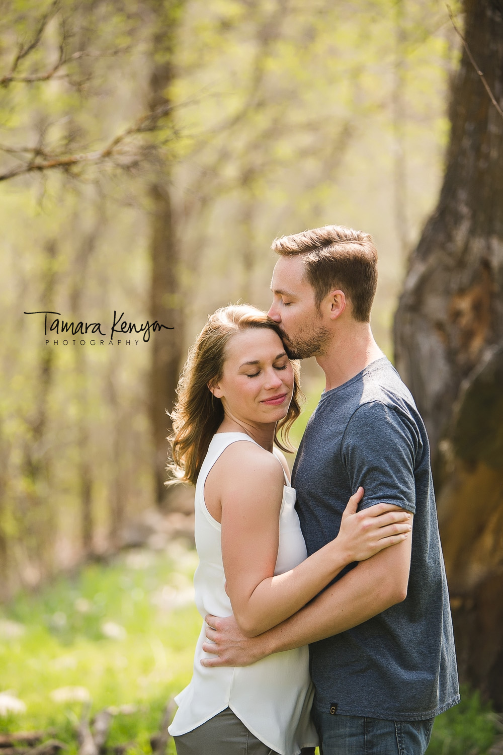 engagement session in the boise foothills