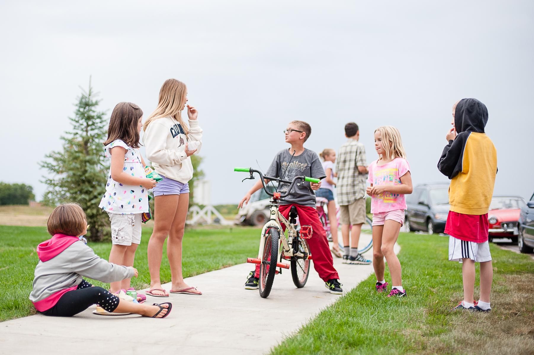 Neighborhood kids-4x6-8511.jpg