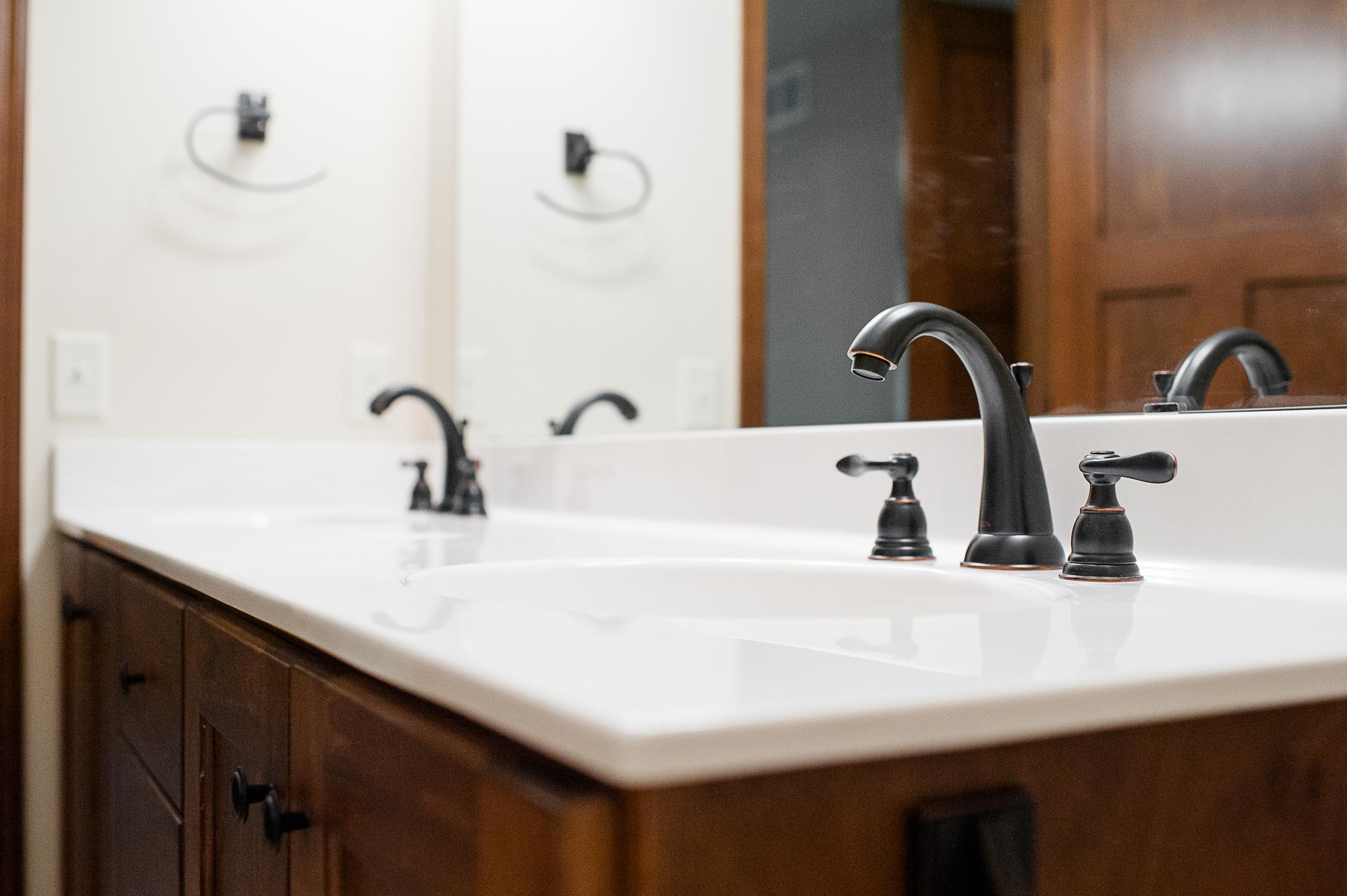 18 - Hoover house Bathroom Satori 2014.jpg