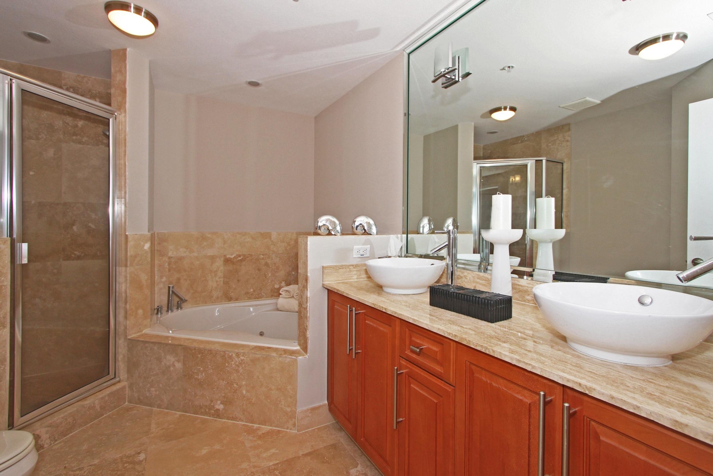 1650_galiano_st_th13_MLS_HID760832_ROOMmasterbathroom.jpg