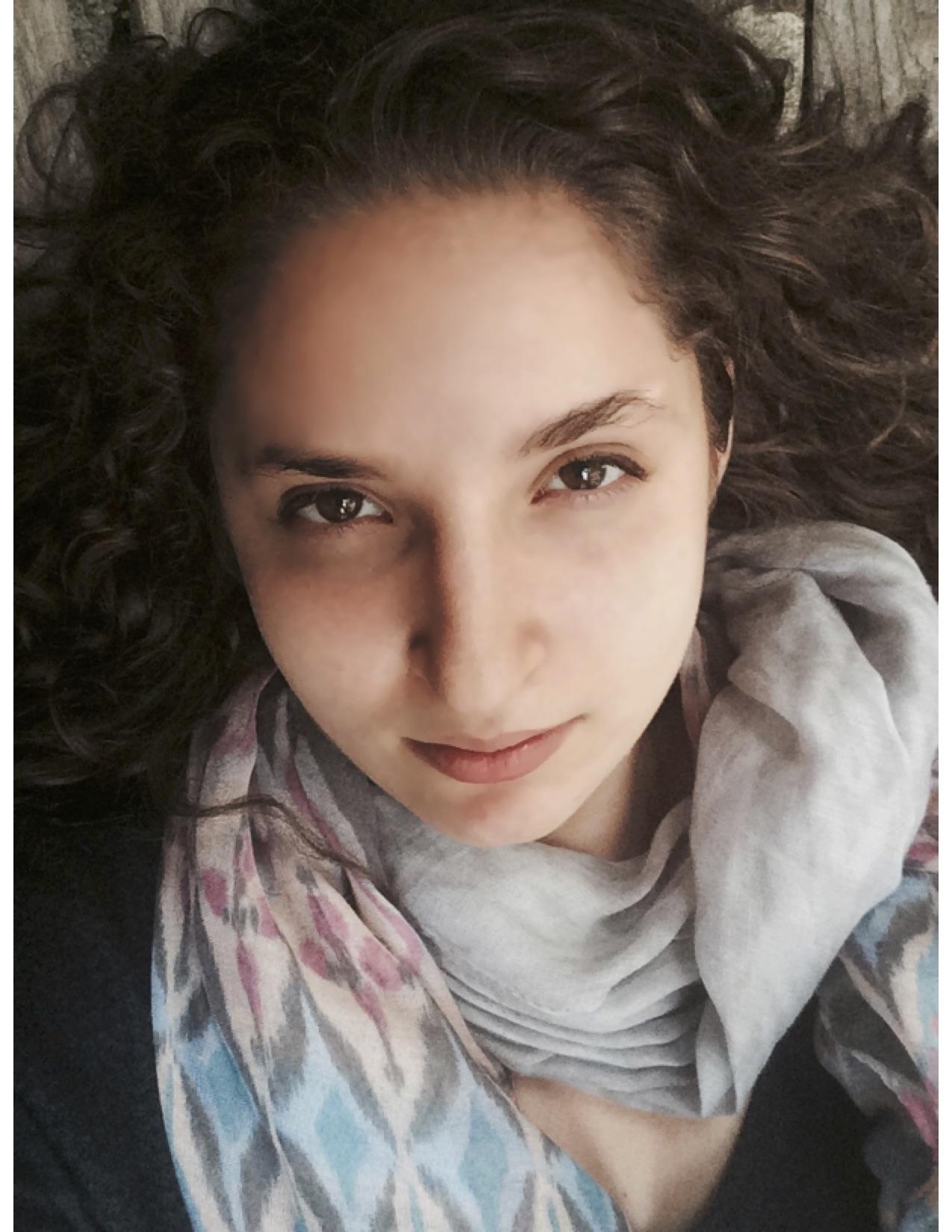 Annie Saenger Headshot.jpg