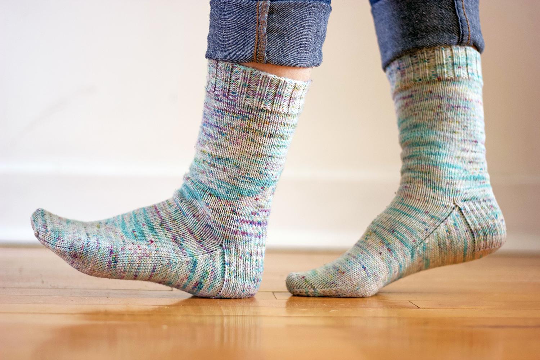 Knit adult socks patterns