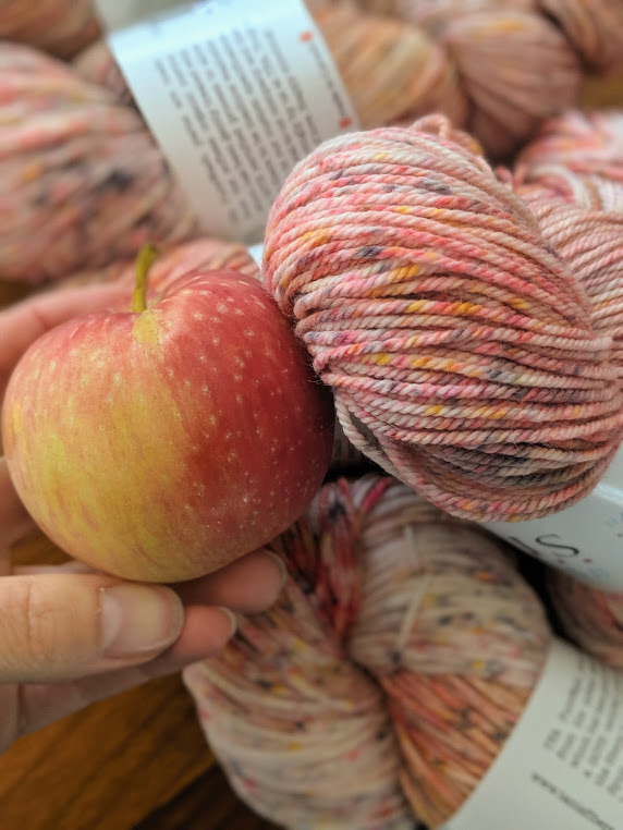 I hadn't realized what a perfect fall colourway Red Light is. Featured in our  White Light Skein Sets  I have a renewed love for this shade!