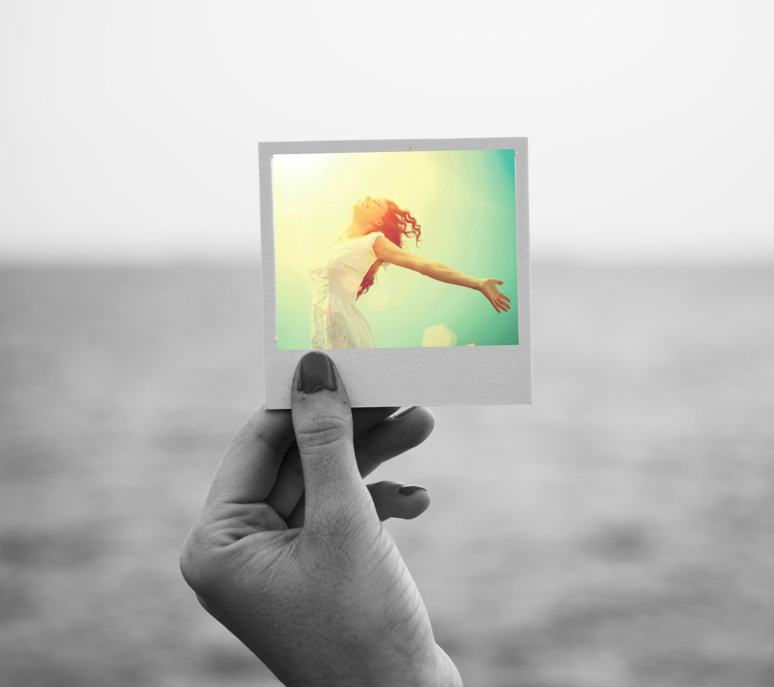 hand photo free woman.jpg