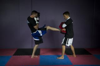 Kickboxing classes Crow Martial Arts
