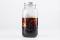 Make your own cold brew coffee in a 1.9L mason jar