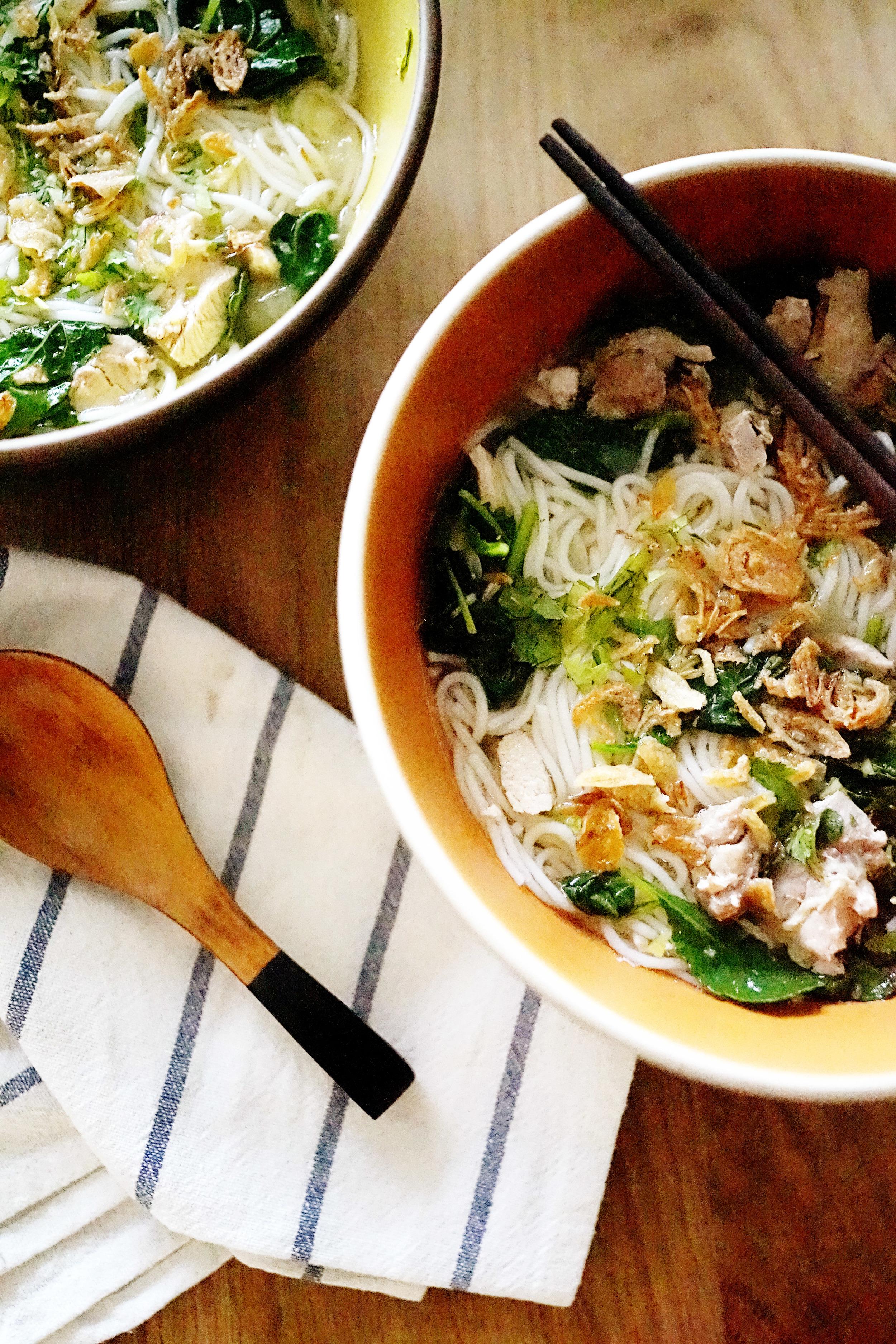 Recipe: Vietnamese Chicken Noodle Soup / www.goodonpaperdesign.com/blog / @good_on_paper