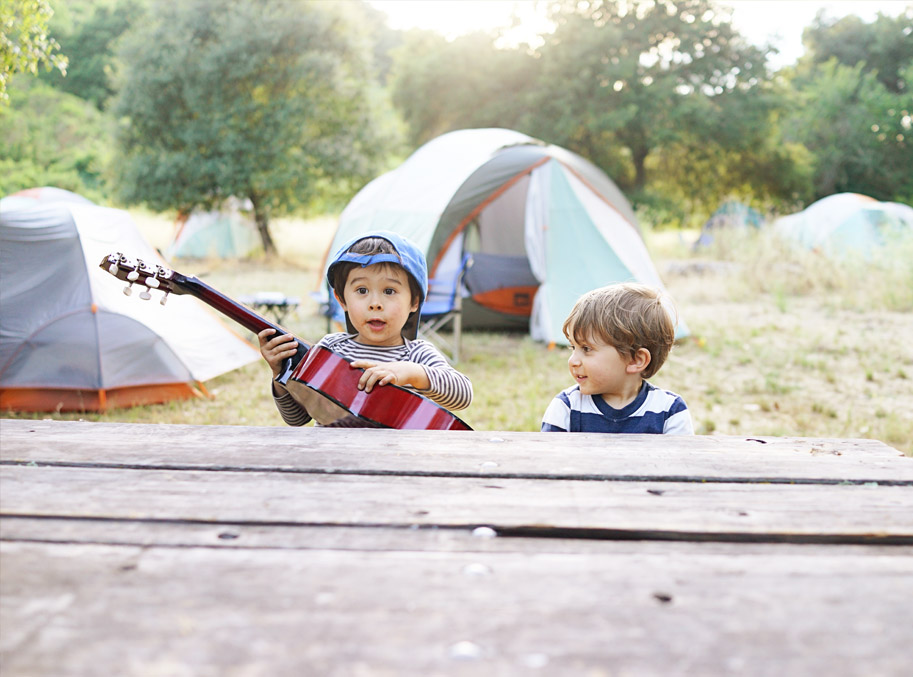 Happy Weekend: Kids Camp Out  /  www.goodonpaperdesign.com/blog  /  @good_on_paper
