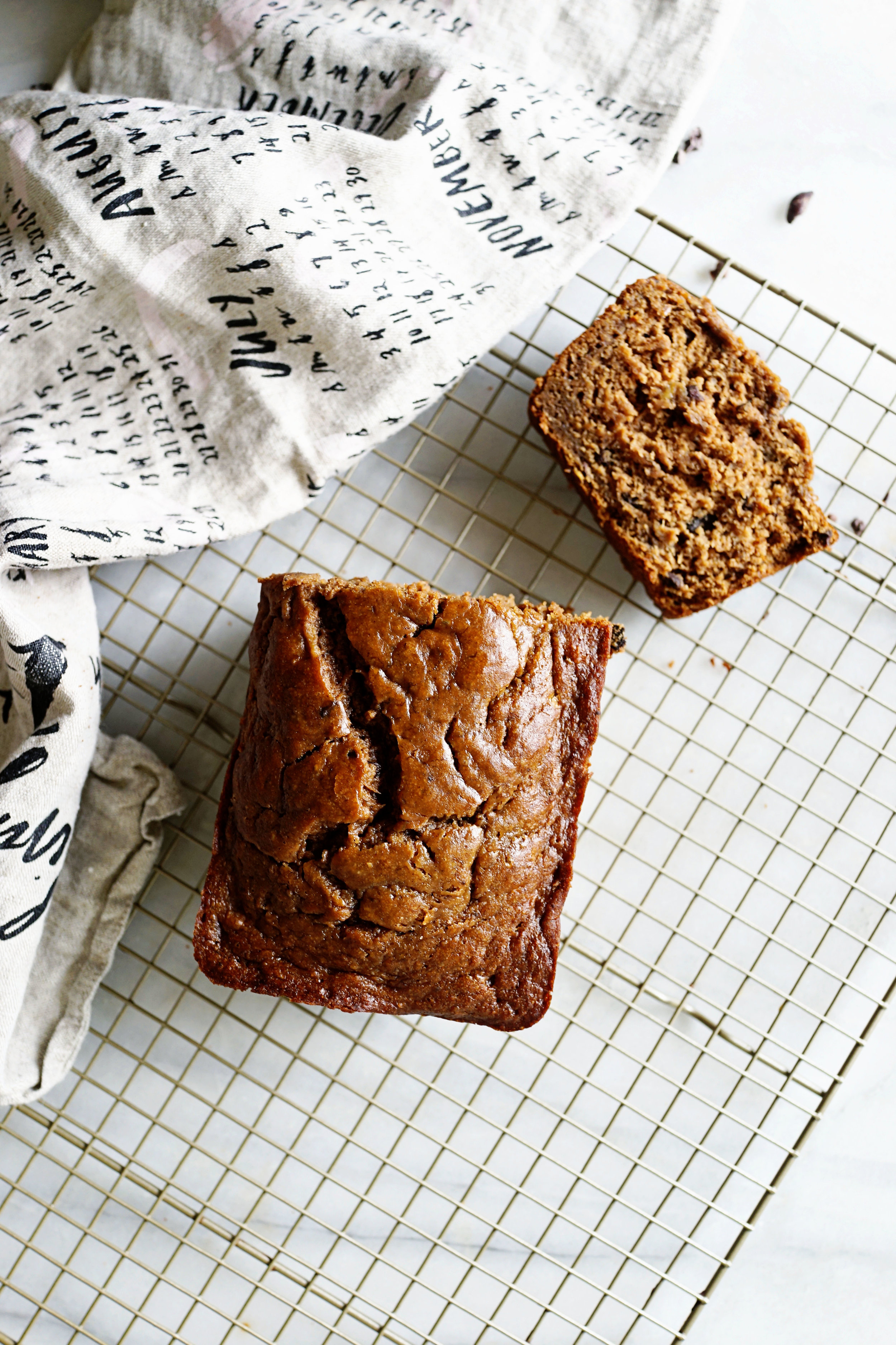 Recipe: Gluten Free Chocolate Banana Bread  /  www.goodonpaperdesign.com/blog/2016/9/8/recipe-gluten-free-chocolate-banana-bread  /  @good_on_paper