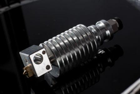 最新技術E3D噴頭,散熱快、列印精準。