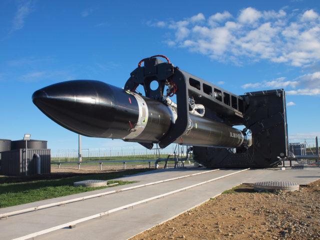 ▲ Electron 火箭的黑色外殼是因為採用碳纖維複合材質。(Source:   Rocket Lab   )