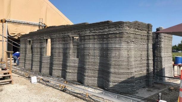 ▲美海軍陸戰隊用 3D 列印技術,40 小時內蓋好混凝土軍營。(圖/翻攝自YouTube)