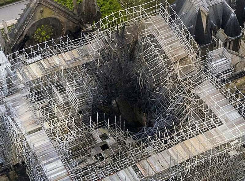 巴黎聖母院3d列印重建.png