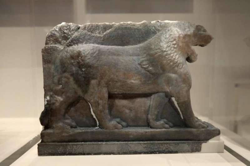 帝國戰爭博物館(Imperial War Museum)展出3D列印複製品「摩蘇爾獅子」。(AP)