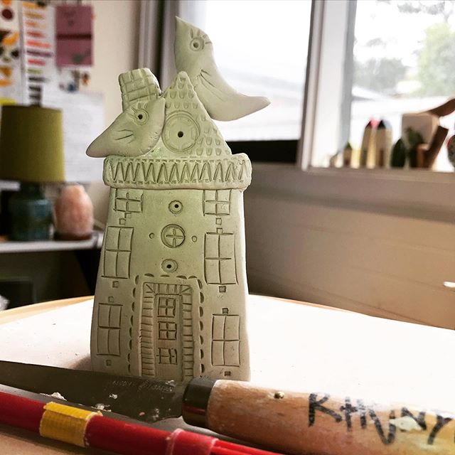 Busy on a Sunday morning... #sundaymorning  #verybusy  #buildinghouses  #architectlovers  #littlehouse  #rhondanadasdyartist  #mudmarks