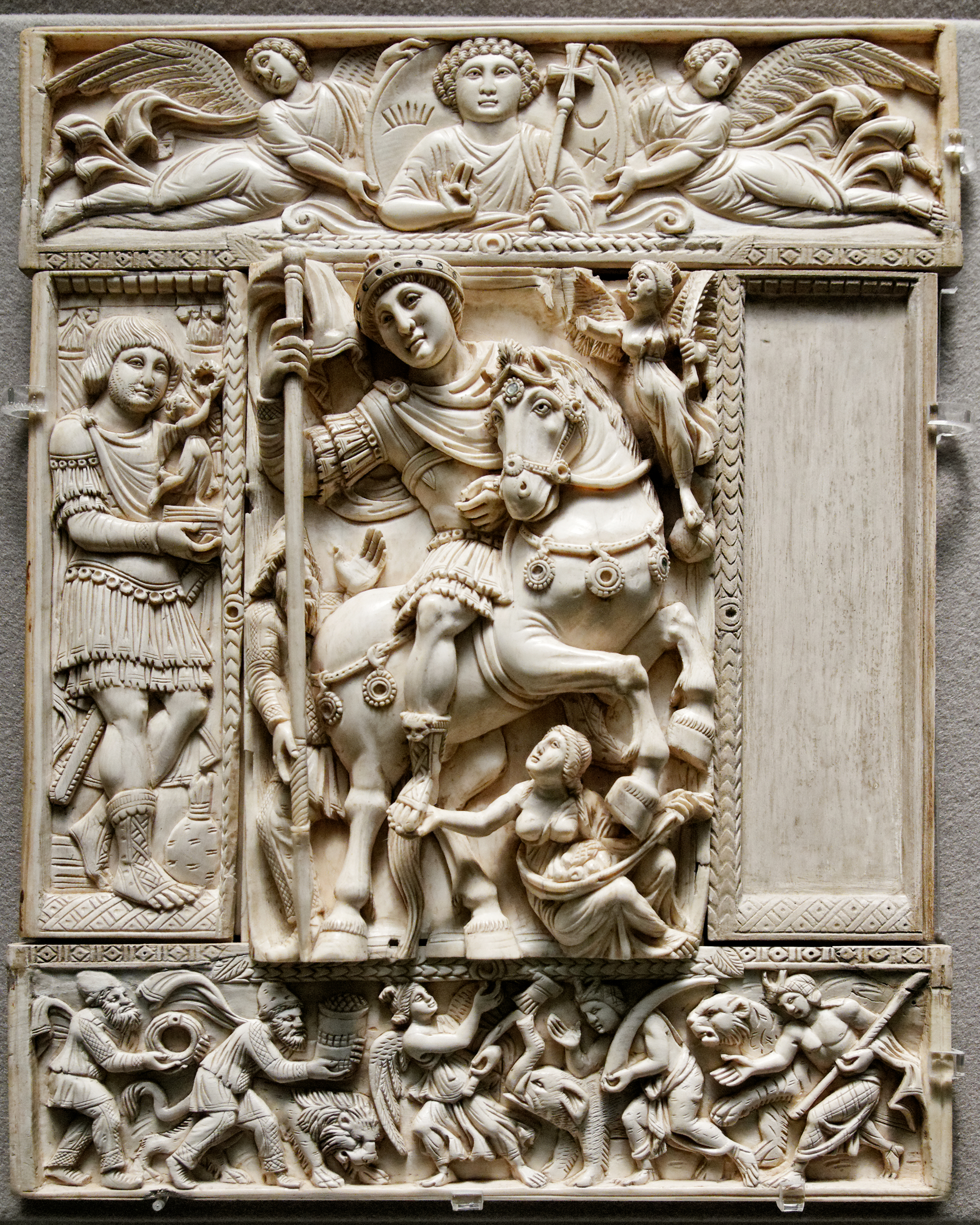 Diptych_Barberini_Louvre_OA9063_whole.jpg