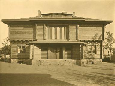 Walter Gropius and Adolf Meyer,  Sommerfeld House , 1920-1922, Berlin.