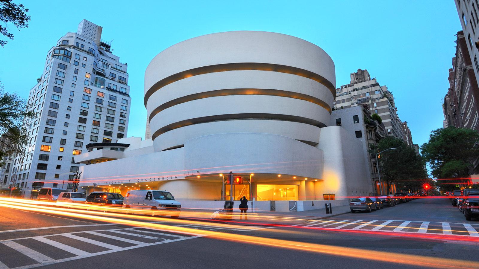Frank Lloyd Wright,  Solomon R. Guggenheim Museum , 1959, New York.