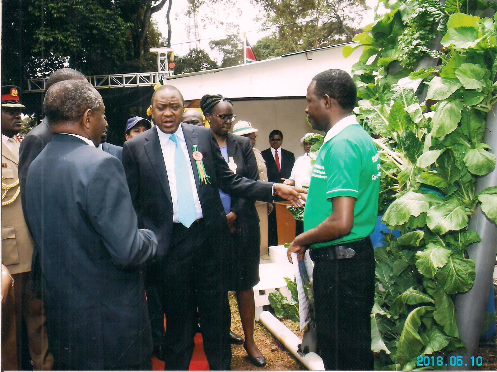 President of Kenya impressed by Hydroponics Kenya