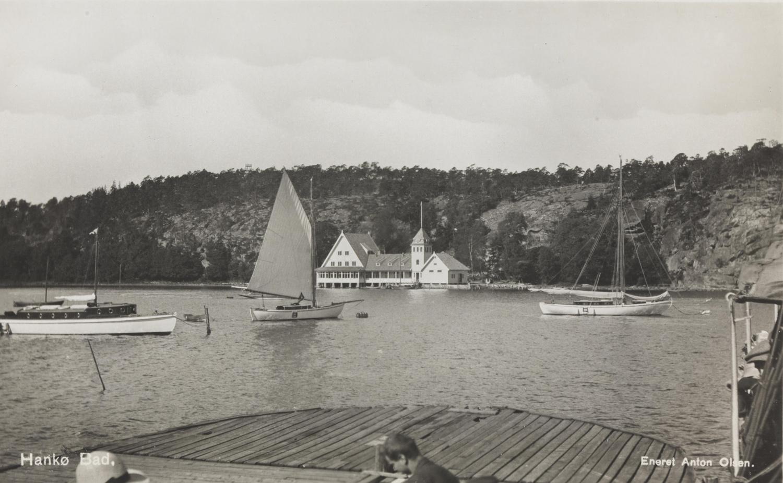 Kjenner du igjen Seilerkroa på dette bilder fra en gang i 1920-årene?