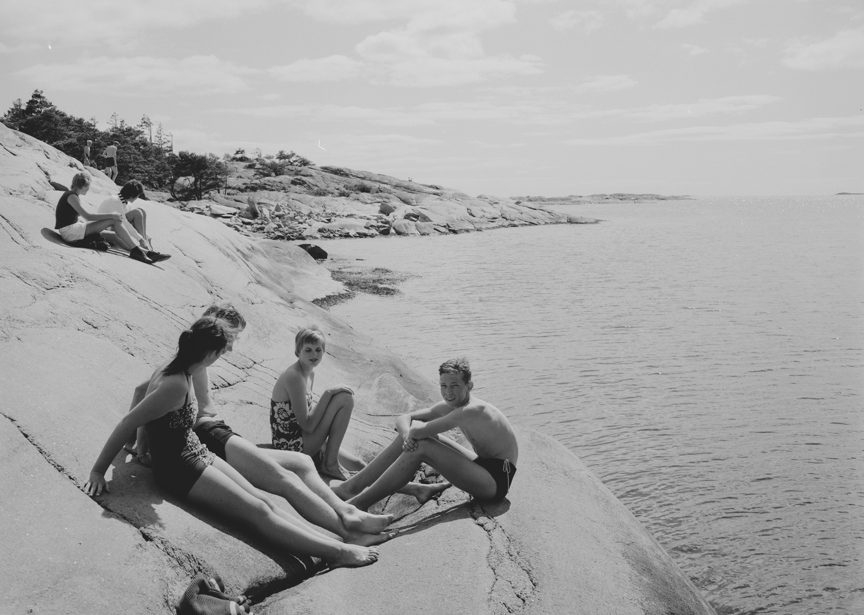 Sommer 1956. Her fra den nordlige odden for badestranden Trouville. Fotograf: Jac Brun.Bildet er hentet fra Nasjonalbibliotekets bildesamling Hankø, Fredrikstad, Østfold