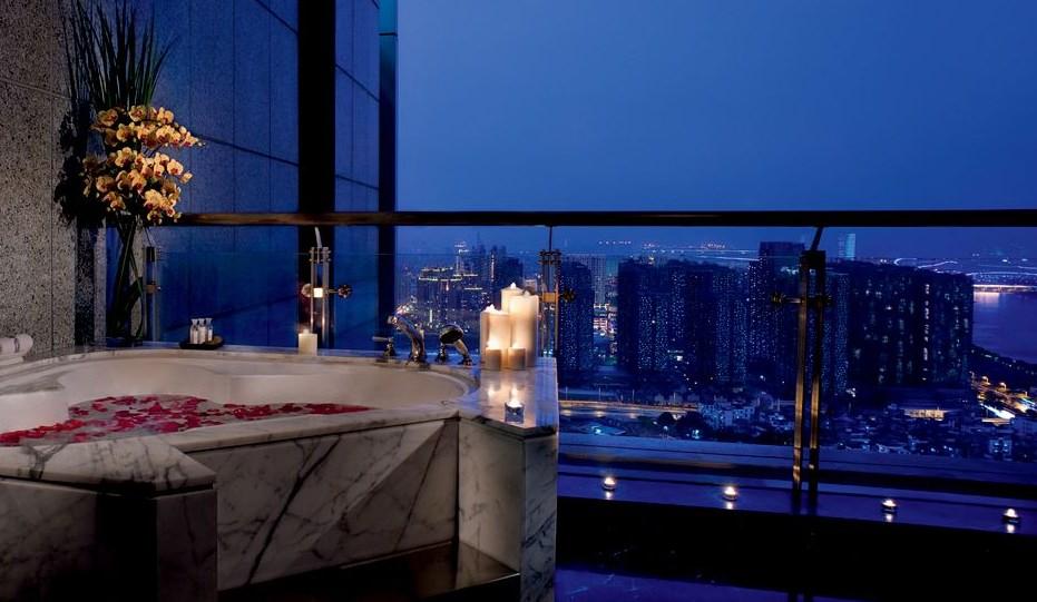 The Ritz-Carlton, Guangzhou (5*)