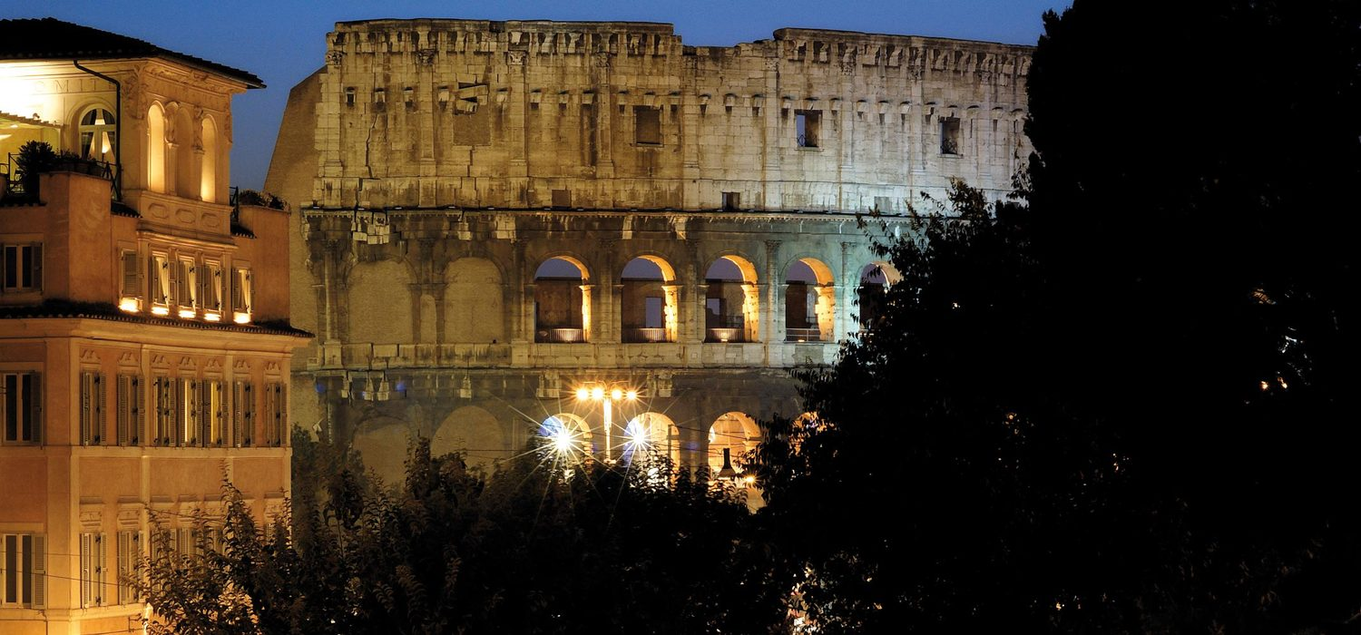 PALAZZO MANFREDI - One of the best hotel views of the Colosseum