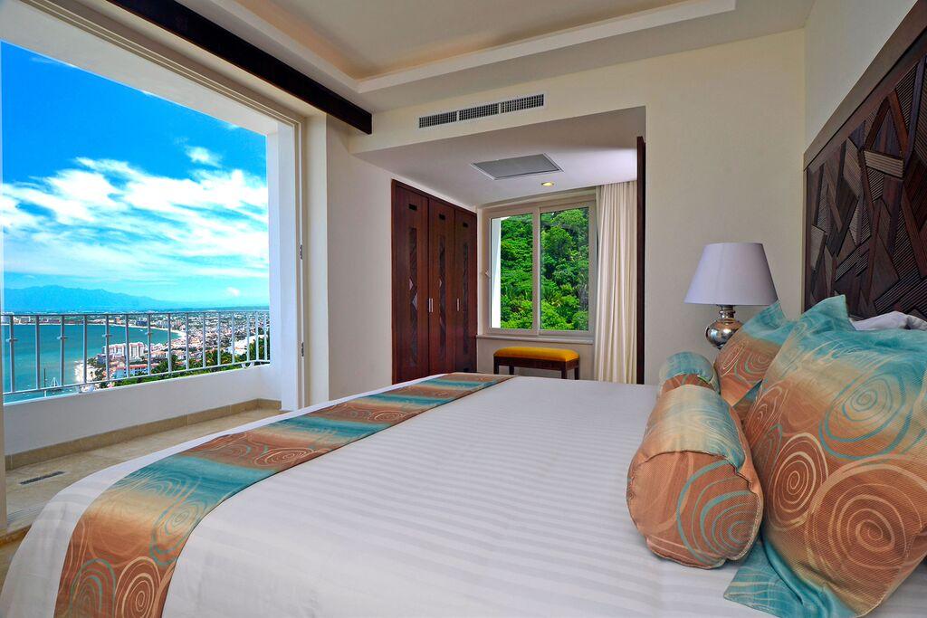 Grand Miramar Puerto Vallarta - A Perfect Hotel View in Puerto Vallarta Mexico5.jpeg