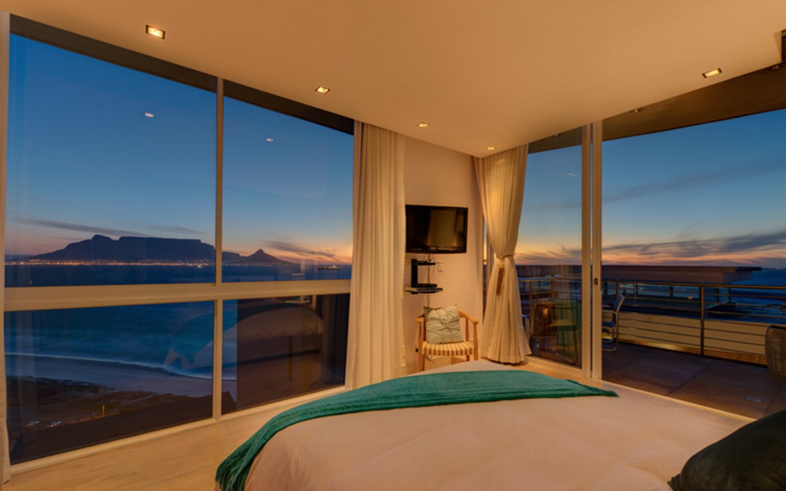 Penthouse on Beach - Luxury Hotels in Cape Town - 6.jpg