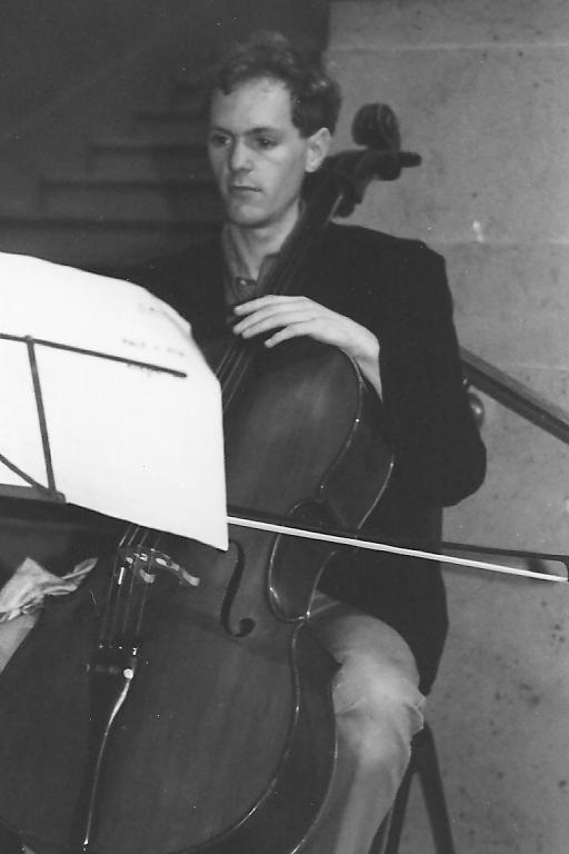 Steven Callow (cello).jpg