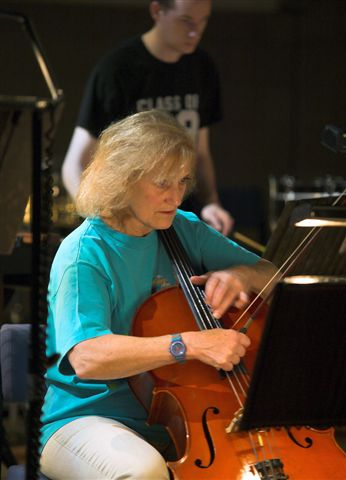 Sharon McKinley (cello)3.jpg