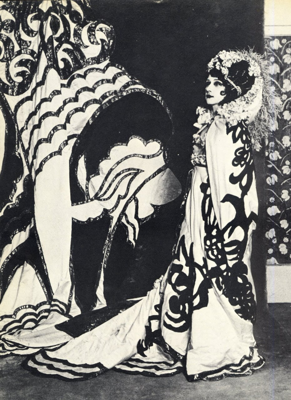 Tamara Karsavina as Salomé in La Tragédie de Salomé.jpg