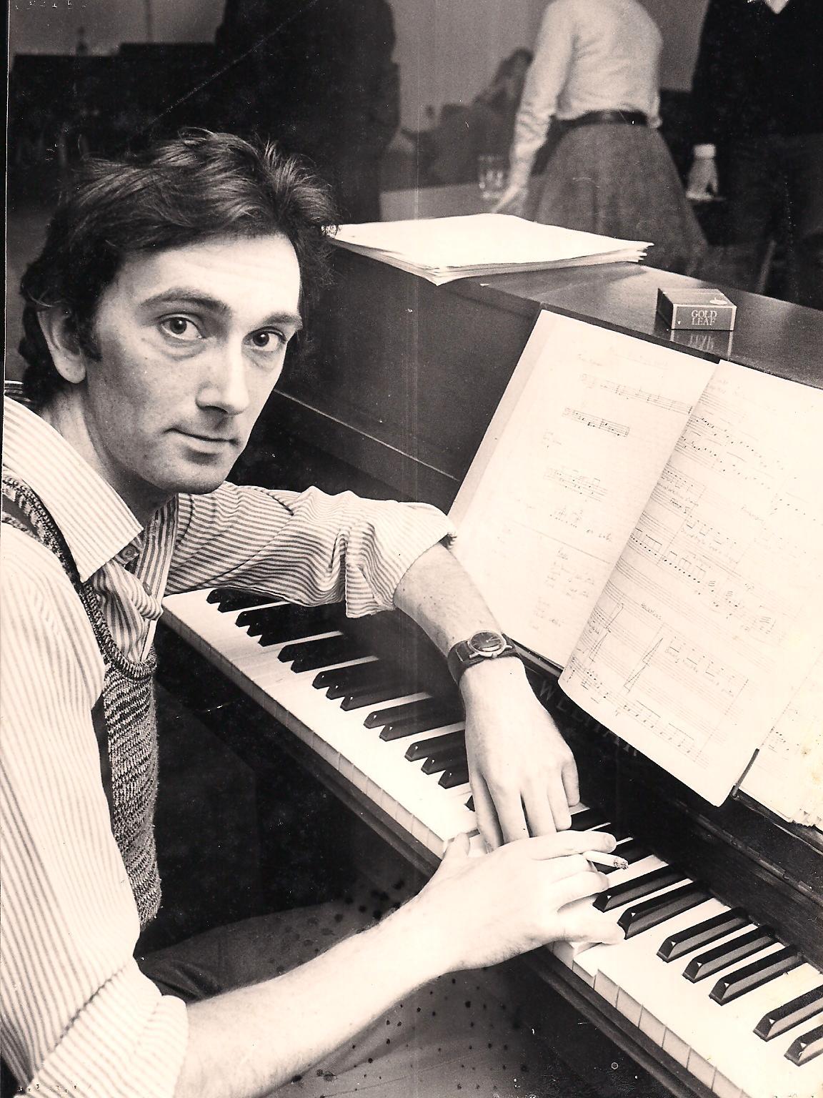 1976 Charlie at Frank V rehearsals.jpg
