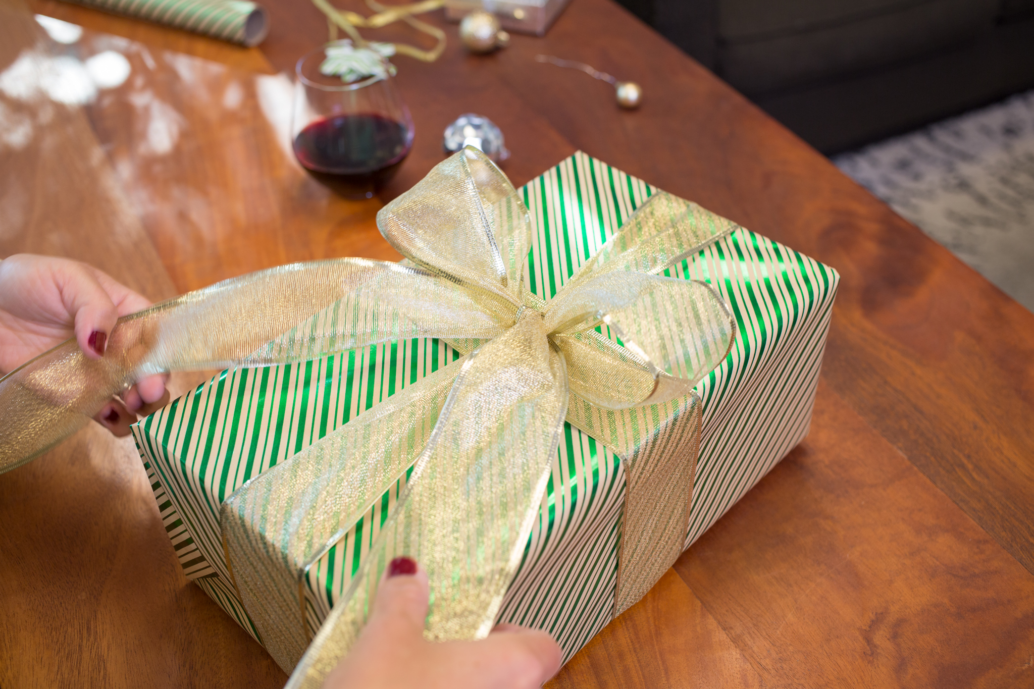 WCGB_giftwrapping_AI9A1473_lo.jpg