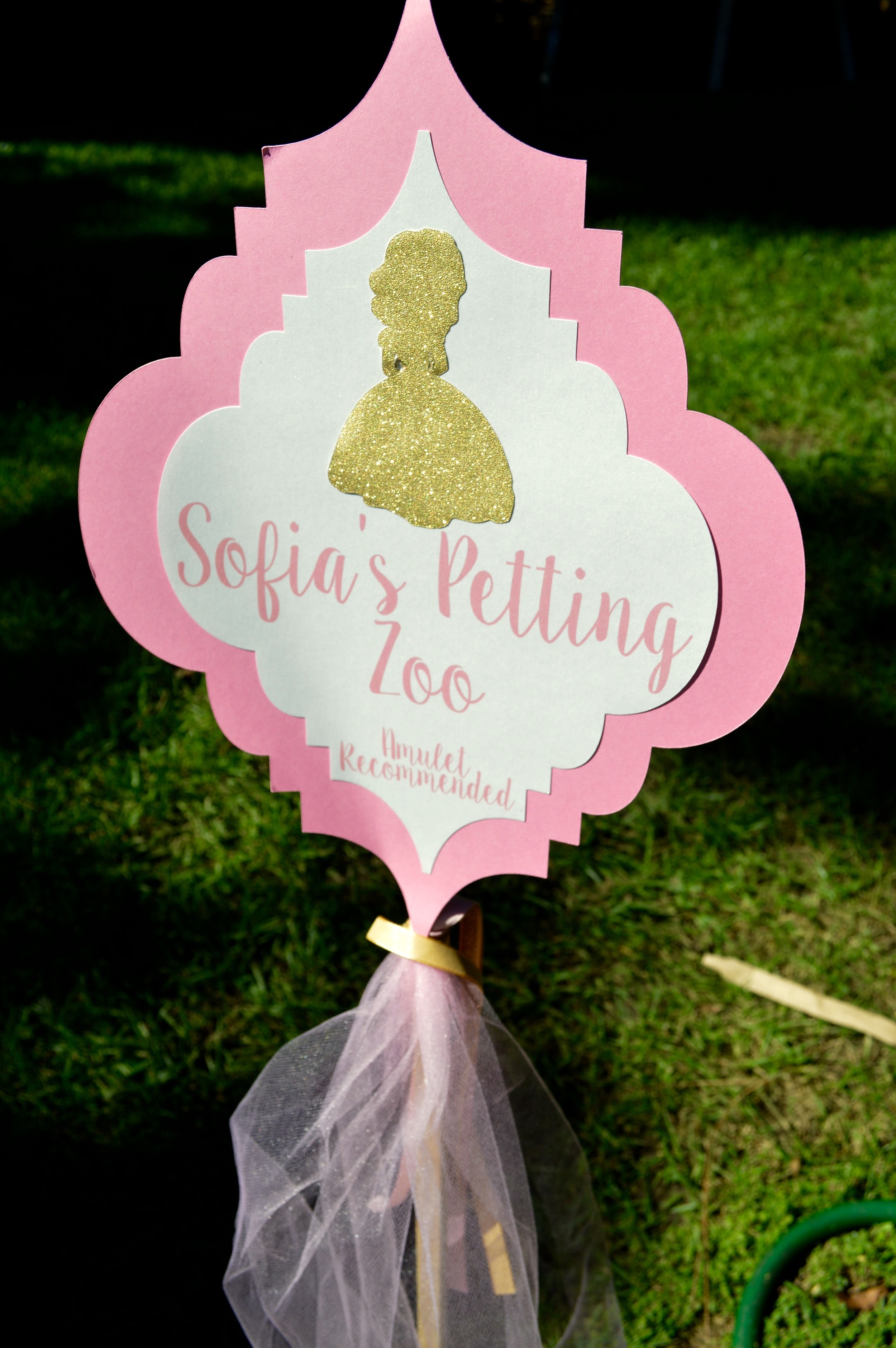 Sofia's Petting Zoo sign by Down Emery Lane