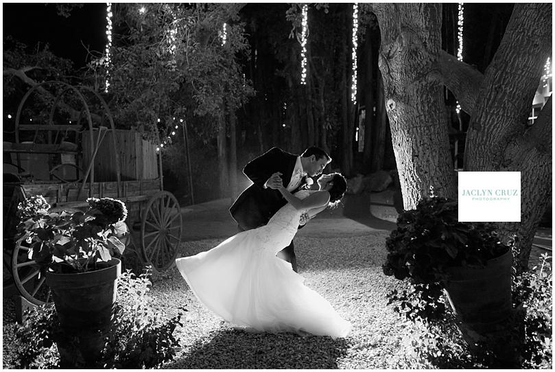 jaclyncruzphotography_boardmanwedding_calamigosranch_14.jpg