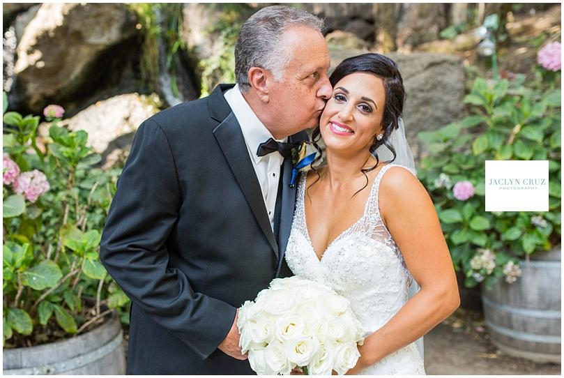 jaclyncruzphotography_boardmanwedding_calamigosranch_32.jpg