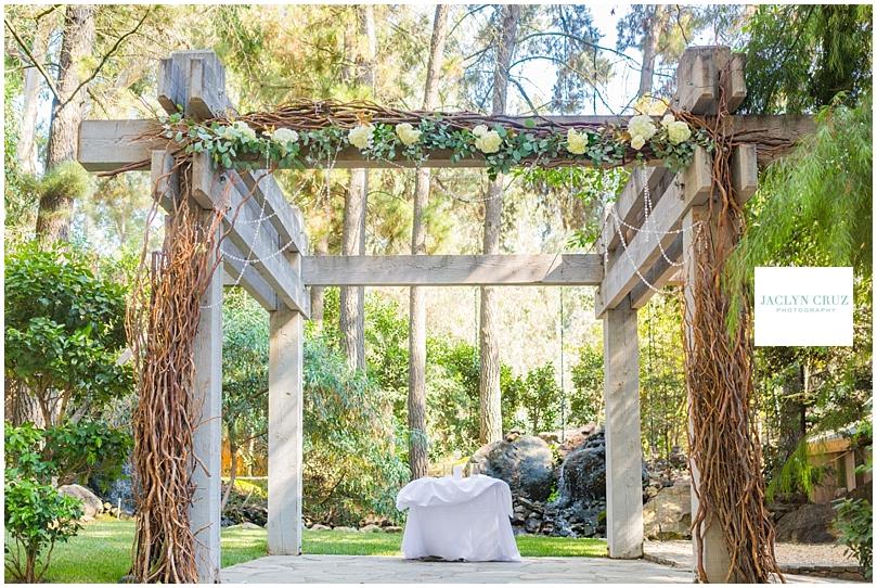 jaclyncruzphotography_boardmanwedding_calamigosranch_04.jpg