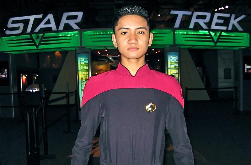 Star Trek Entrance2.JPG