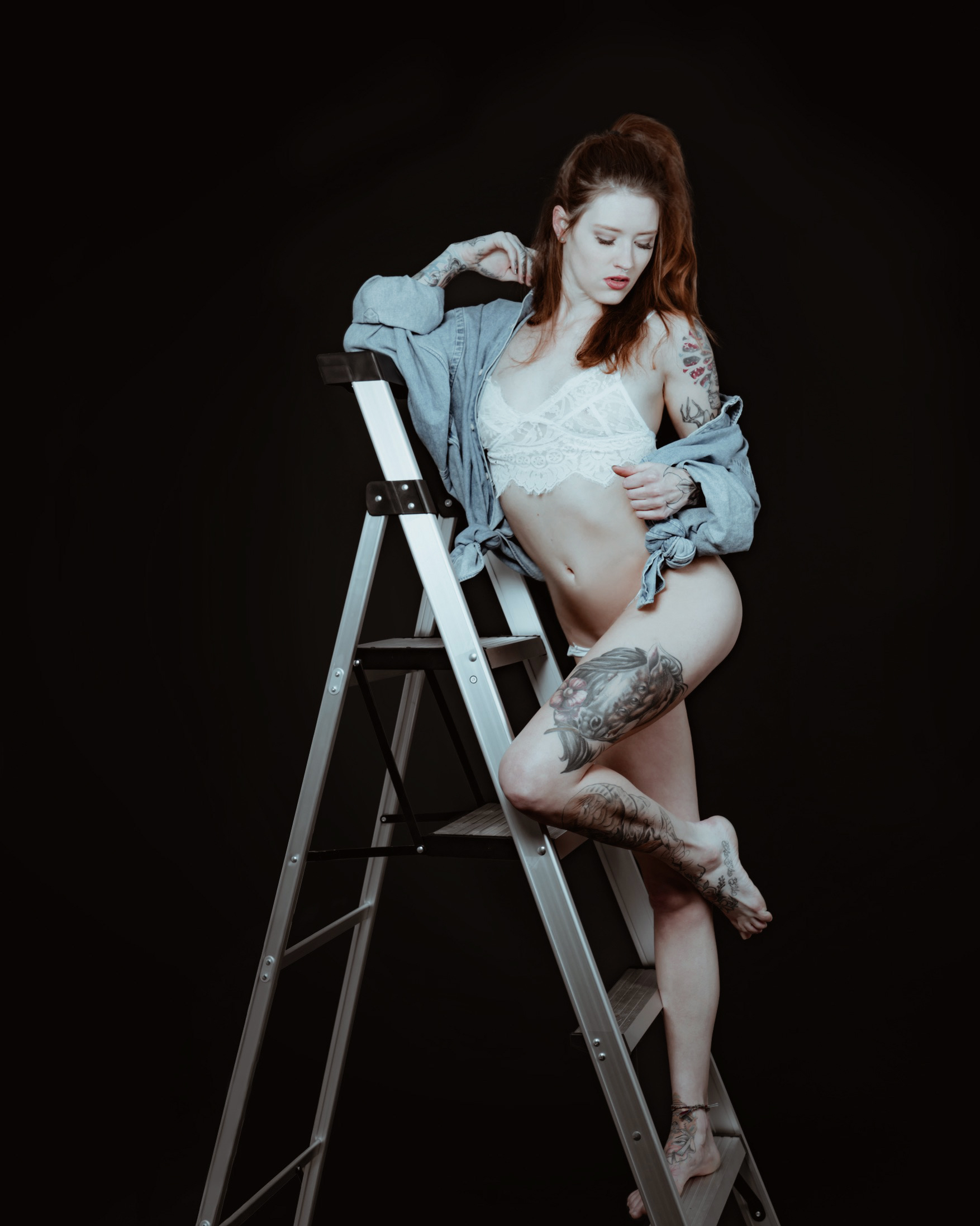 SavannahKinney-WhiteMoth-Studio-Sweater+Denim-05.JPG